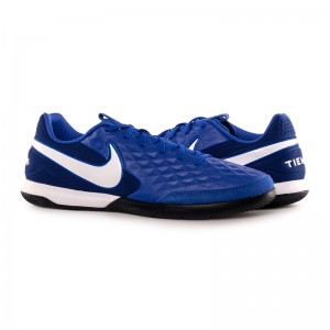 Бутси Nike LEGEND 8 ACADEMY IC